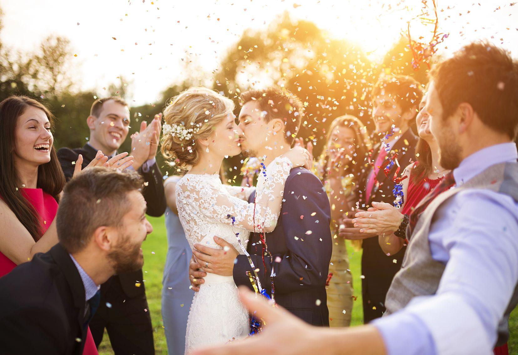 """Gaat u trouwen in 2018? Dan zal de nieuwe wet """"beperking wettelijke gemeenschap van goederen"""" van toepassing zijn op uw huwelijksvermogen."""